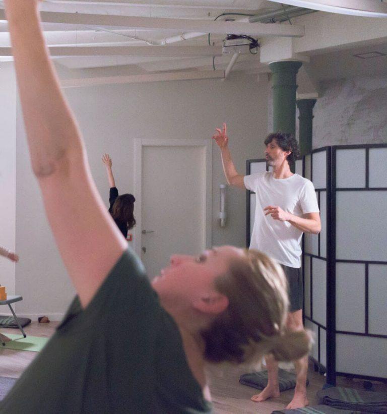 classes de ioga grupals